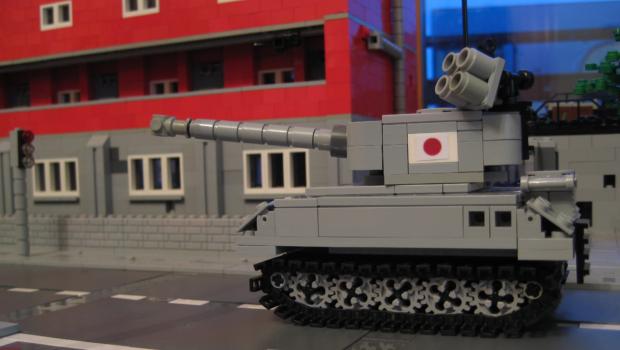 LEGO-TANK-DESERTED-STREETS
